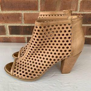 Report Ronan cut out peep toe heeled sandals